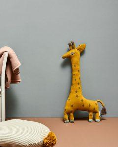 OYOY noah giraffe4