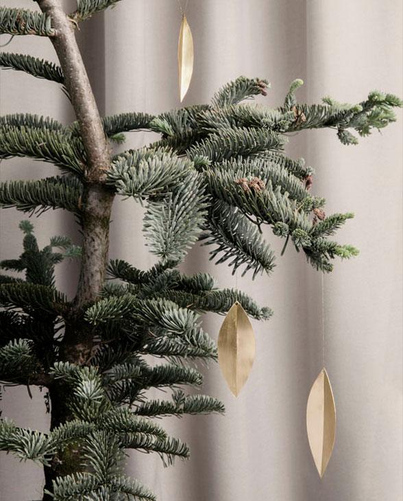 ferm living Leaf brass ornament 24220 02
