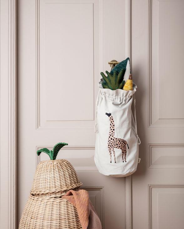ferm living storage bag Giraffe 02
