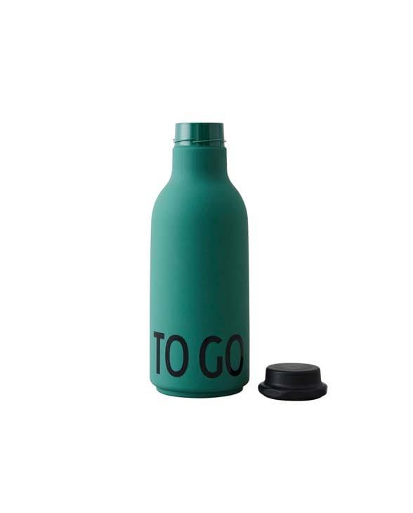 DesignLetters waterbottle to go dark green 02