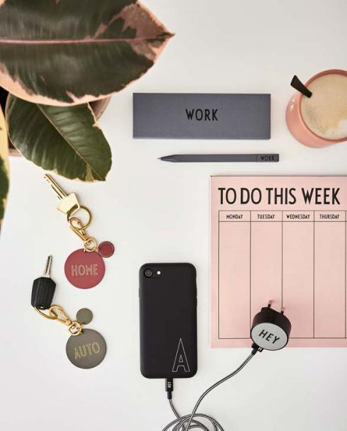 Design Letters weekly planner pink 02 1